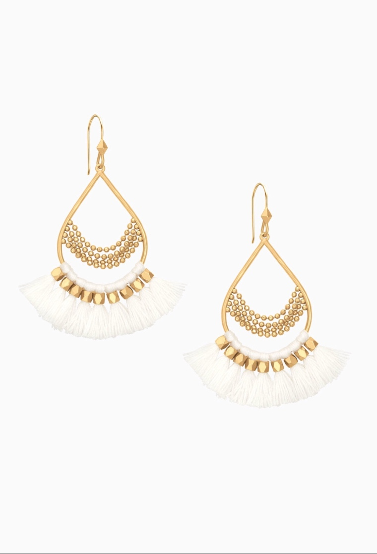 Summer 2018 Women's Fashion Accessories White Chandeliers Fringe Earrings